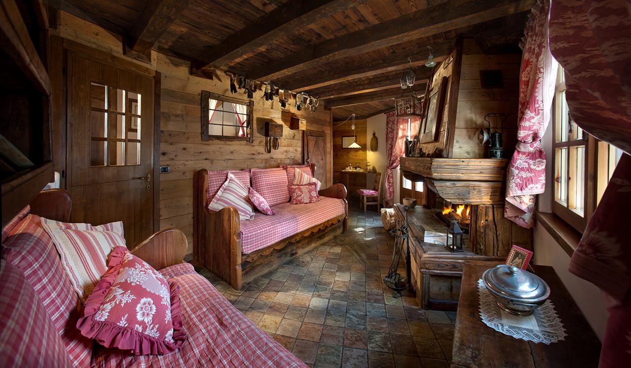 Chalets Chambres Et Chalets Www Hotelbellevue It